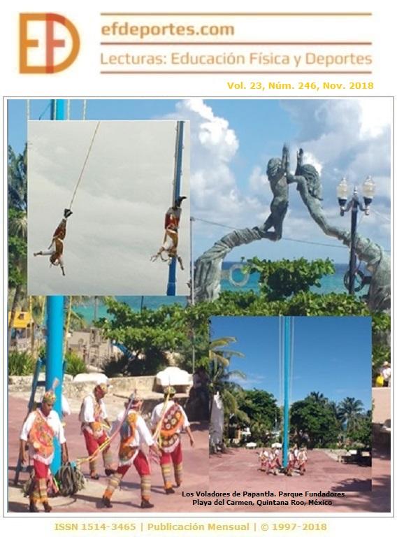 Los Voladores de Papantla. Parque Fundadores, Playa del Carmen, Quintana Roo, México